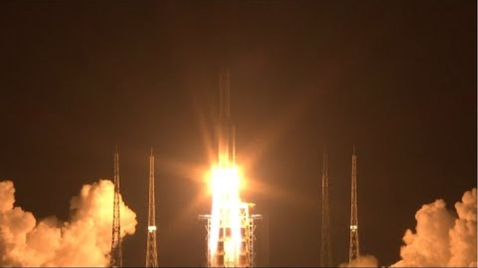 China's Heavy-Lift Long March 5 Rocket Launches Satellite
